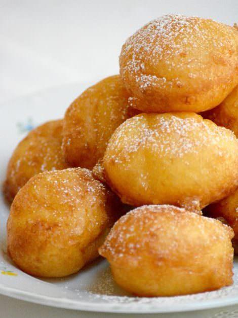 Hungarian cottage cheese donut, túrófánk
