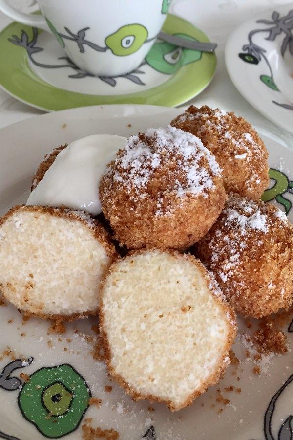 Hungarian cottage cheese dumplings, túrógombóc
